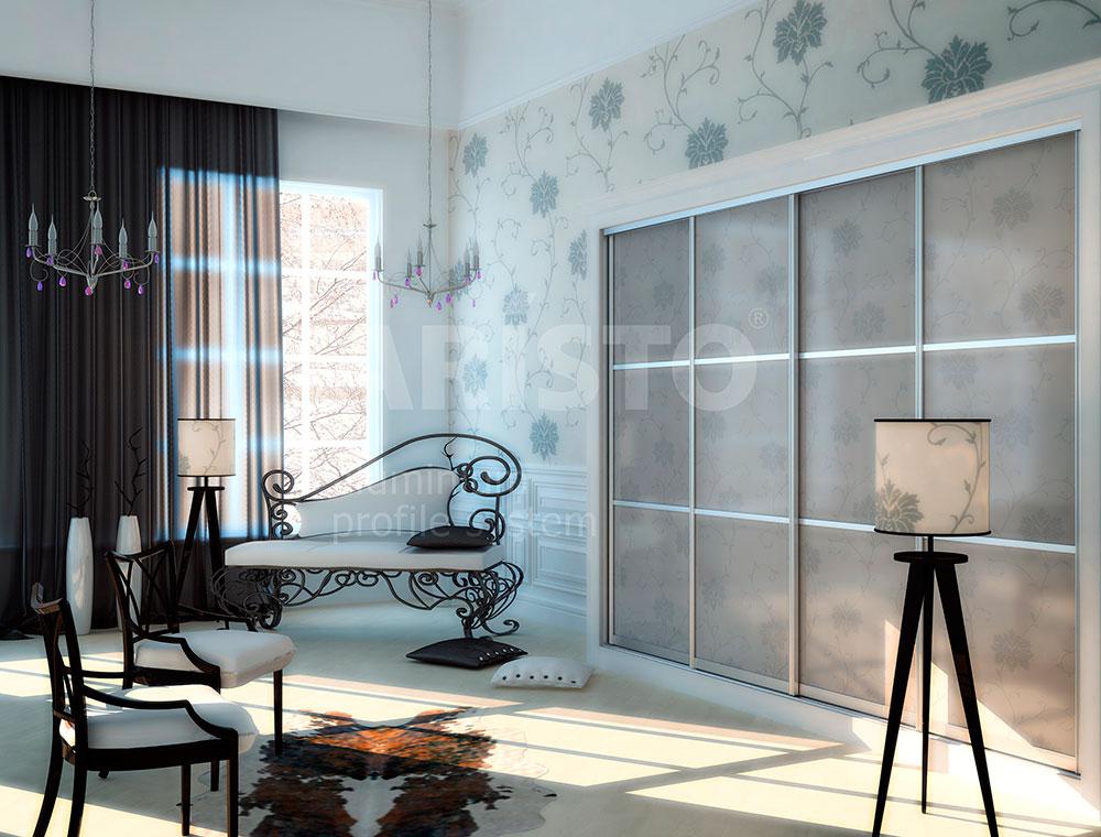 Шкаф-купе в гостиной, профиль ARISTO, панель СТЕКЛО с рисунком
