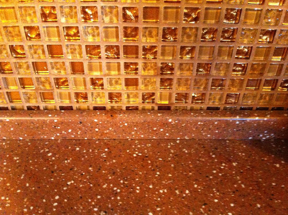 Стеновая панель мозаика, плинтус стандартный